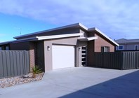 Picture of 2/8 Merlot Court, Hawley Beach