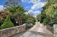 Picture of 3 Sneddon Avenue, Crafers