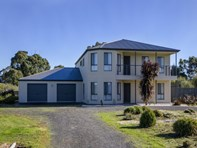 Picture of 7 Thompson Court, Moorak