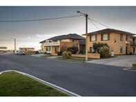Picture of 3/2 West Beach Road, West Beach