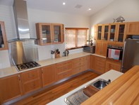Picture of 94 Happy Valley Road, Port Lincoln