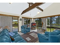 Picture of 2 Armstrong Avenue, Killarney Vale
