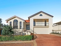 Picture of 38 Candlebark Close, Nicholls