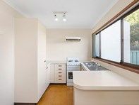 Picture of 40/100 Chewings Street, Page