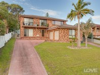 Picture of 24 24b Turnbull Street, Fennell Bay