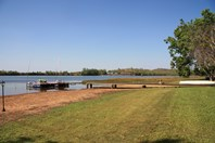 Picture of Lake Bennett