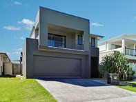 Picture of 5 Outrigger Street, Wurtulla
