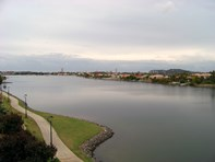Picture of 30/1 Lakefront Crescent, Varsity Lakes