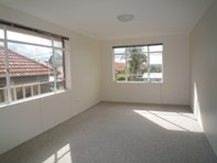 Picture of 5/1a Northcote Avenue, Fairlight