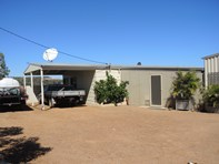 Picture of 6 Oakabella Road East, Howatharra