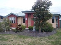 Picture of 2/12 Staff Road, Electrona