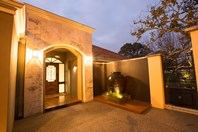 Picture of 13 Cliff Way, Claremont