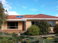Picture of 18 Rex Andrew Road, Waikerie