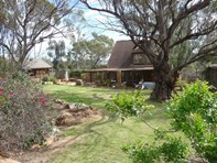 Picture of 6369 Quairading Road, Mount Hardey