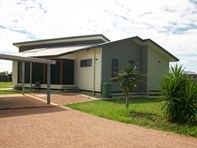 Picture of 2 Lockyer Crescent, Roma