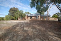 Picture of 36 Narrakine Road South, Narrogin