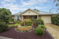 Picture of 22 Mountain Avenue, Normanville