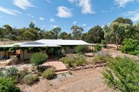 Picture of 79 Tamma Rd, Bakers Hill