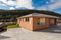 Picture of 1 & 2, 4 Roxy Place, Mornington
