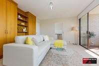 Picture of 14/5 Hyndes Crescent, Holder