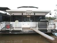Picture of Phoenix Houseboat, Morgan