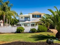 Main photo of 7 Nearwater Way, Shelley - More Details