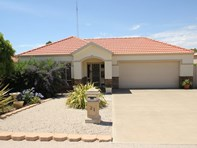 Picture of 21 Harrys Point Road, Port Hughes