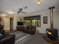Picture of 334 David Road, Waggrakine