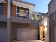 Picture of 3/47 Needlewood Road, Churchlands