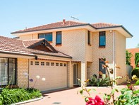 Picture of 4/118 Moreing Rd, Attadale