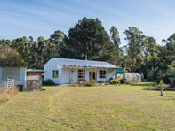 Picture of 13 Collins Road, Karoola