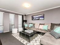 Picture of 33 Bingarra Crescent, Tapping