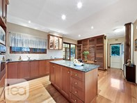 Picture of 10 Crompton Drive, Wattle Park