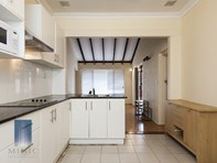 Picture of 77 Leach Highway, Wilson