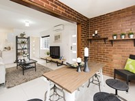 Picture of 2/104 Onslow Road, Shenton Park