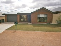 Picture of 41a Mary Starr Drive, Waikerie