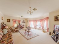 Picture of 11 Banksia Close, Cowra