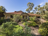 Picture of 2 Stevenson Place, Byford