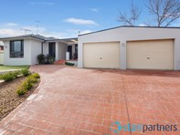 Picture of 26 Bowerbird Crescent, St Clair