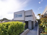 Picture of 15A Wincanton Road, Karrinyup