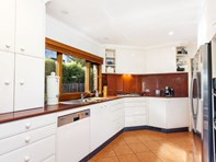 Picture of 4 Werribee Crescent, Farrer