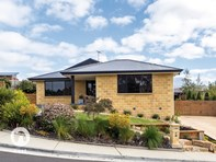 Picture of 4 Brook Way, Kingston