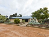 Picture of 4 Midsummer Circle, Pinjarra