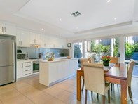 Picture of 2/125 Military Road, Henley Beach South