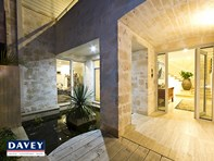 Picture of 1 Sheppard Way, Marmion