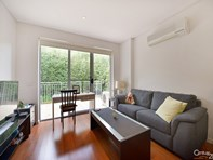 Picture of 4/210 Normanby Road, Notting Hill