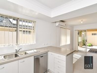Picture of 2/207 Manning Road, Bentley