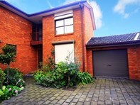 Picture of 4/6 Kindale Court, Avondale Heights