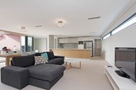 Picture of 18/1 North Lake Road, Alfred Cove