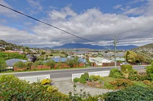 Photo of 175 Gordons Hill Road, Lindisfarne - More Details